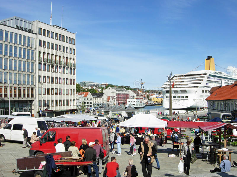 Vagen hamn i Stavanger (Norge) royaltyfri foto