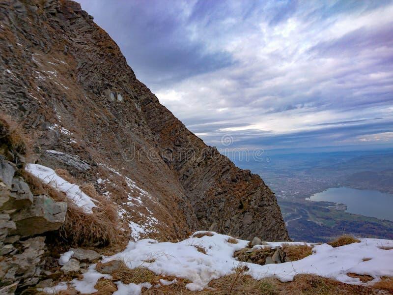 Vagga av Mt Niesen royaltyfria foton