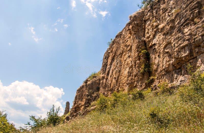 Vagga bildande i Gara Bov, Sofia Province, Bulgarien royaltyfri foto