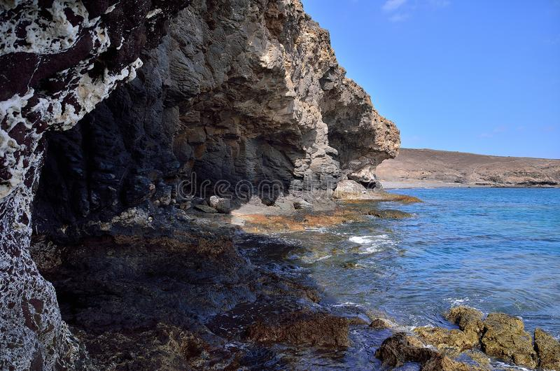 vagga kusten och havet arkivfoton