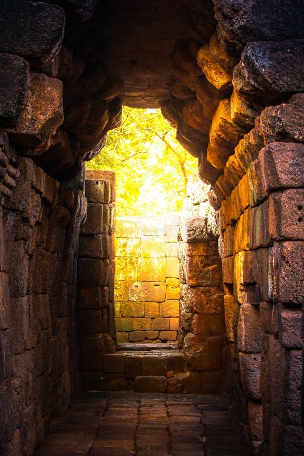 vagga slotten Muang Singha som är forntida på kanchanaburien, Thailand royaltyfria bilder