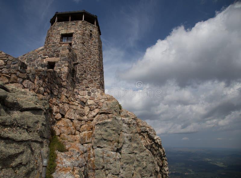 Vagga tornet som förbiser dalen i Blacket Hills av South Dakota arkivbilder