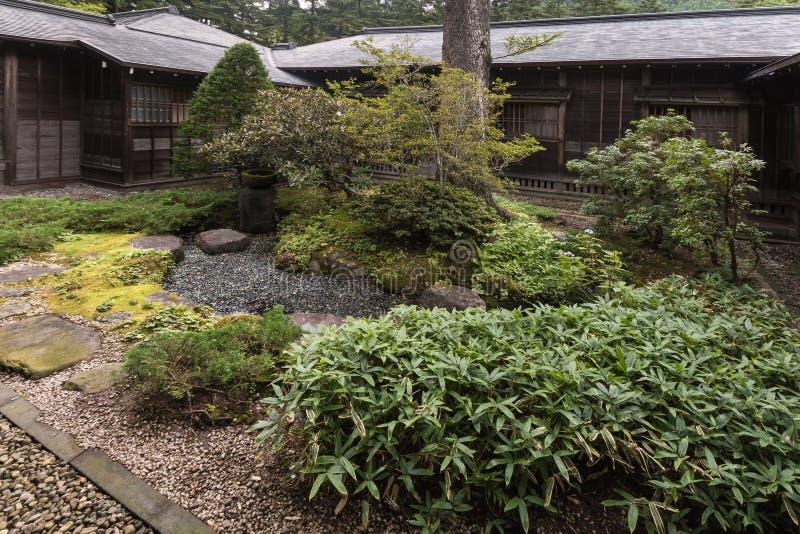 Vagga trädgården på Tamozawa den imperialistiska villan i Nikko arkivfoton