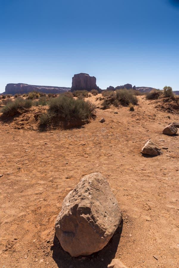 Vaggar, öknen och Buttesmonumentdalen Arizona royaltyfria bilder
