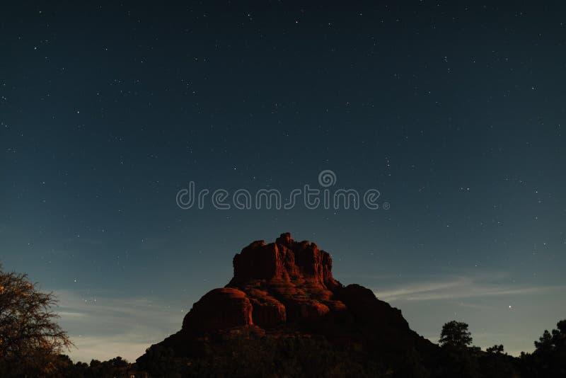 Vaggar den toppna månen Klocka för Astrophotography fotografering för bildbyråer