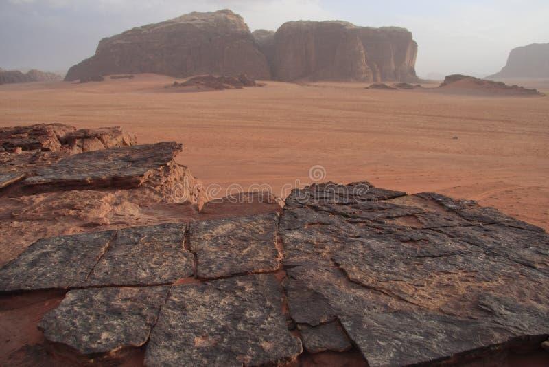 vaggar dramatiska bildande för öken romwadien royaltyfri foto