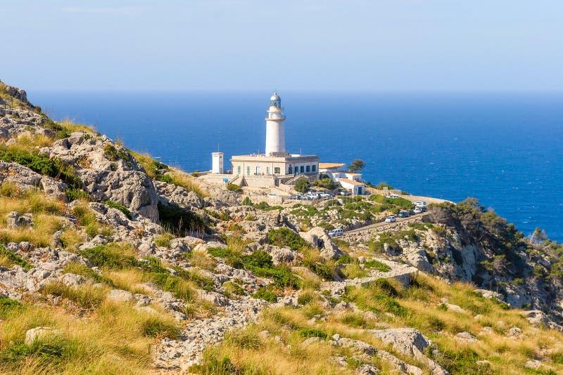 Vaggar nära fyren på udde Formentor Spanien för tryck royaltyfria foton