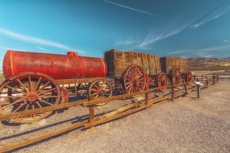 Vagndrev på Harmony Borax Works i den Death Valley nationalparken, USA royaltyfri fotografi