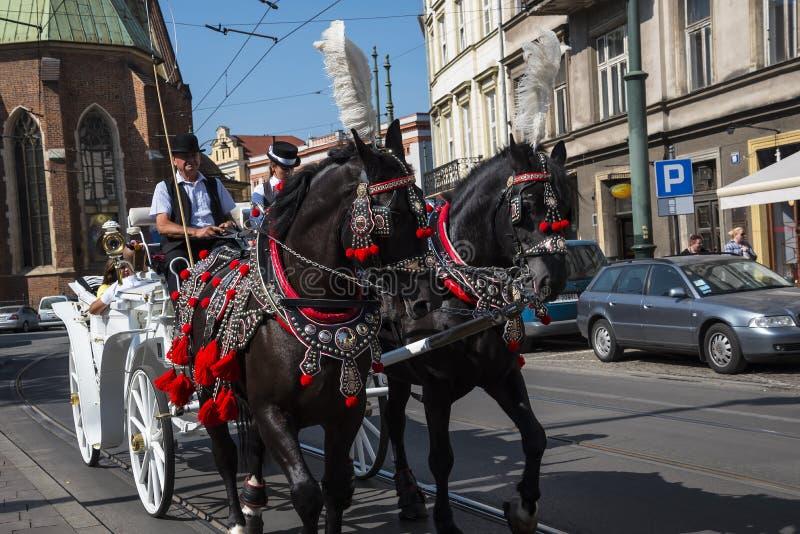 Vagnsritt runt om staden av Krakow i Polen arkivfoto