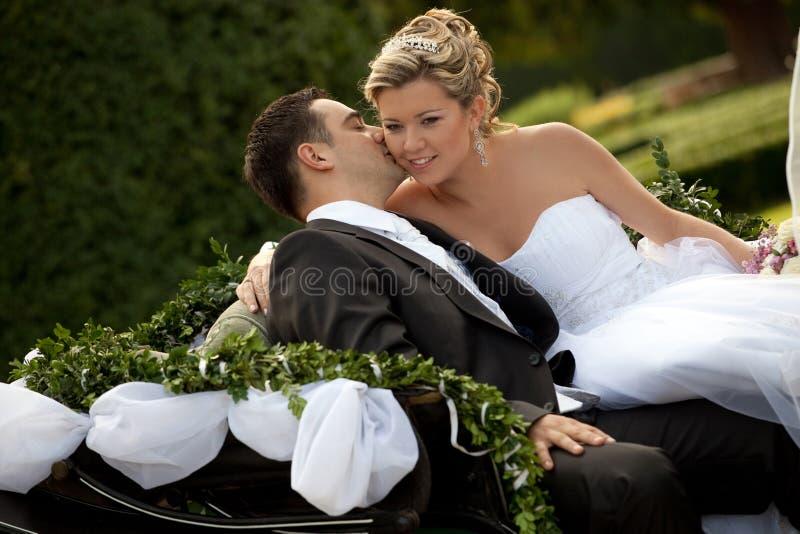 vagnsseriebröllop royaltyfri foto