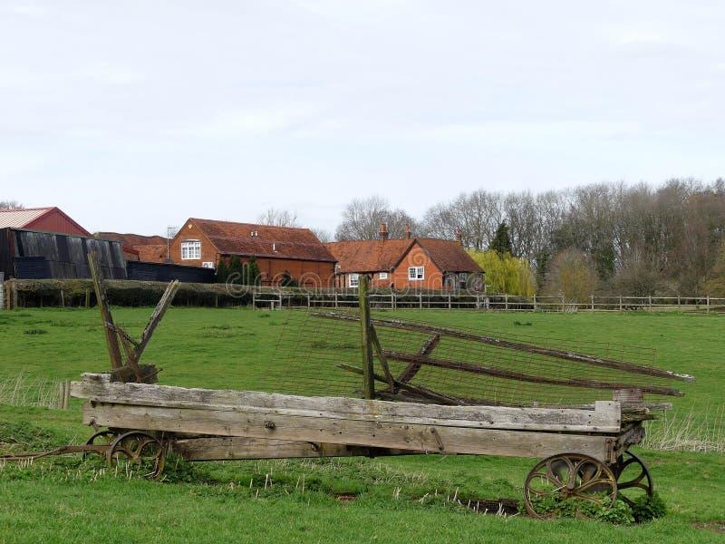 Vagone abbandonato nel paesaggio del terreno coltivabile, Chorleywood fotografia stock libera da diritti