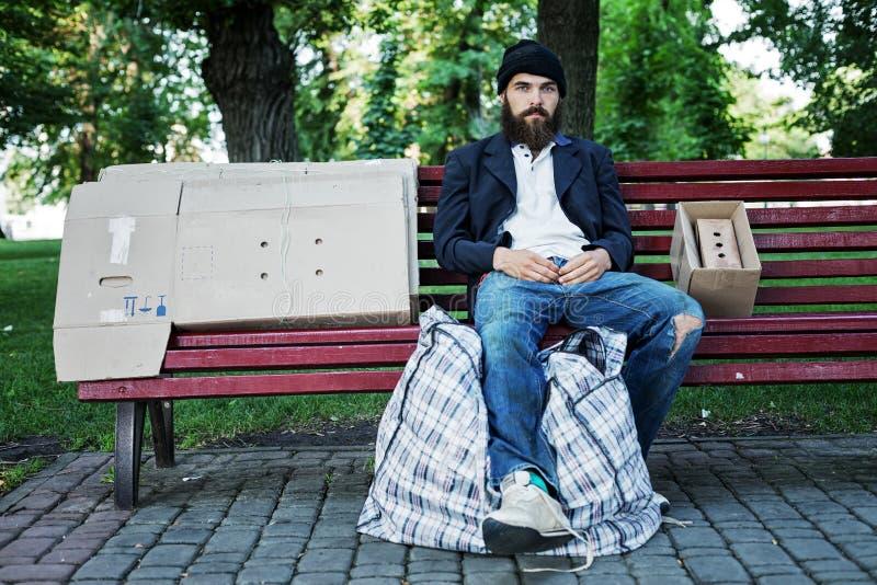 Vagrant в парке стоковое фото