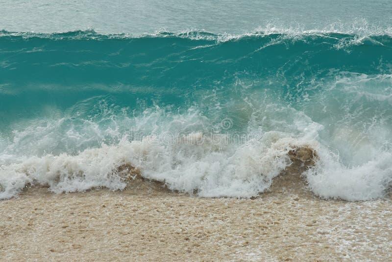 Vague bleue de l'eau de mer photo libre de droits