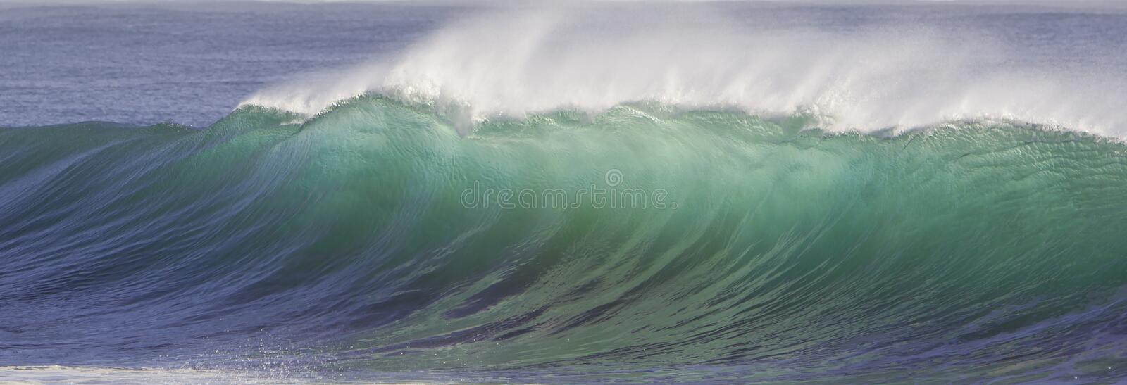 Download Vague de rupture photo stock. Image du onde, plage, surf - 45371728