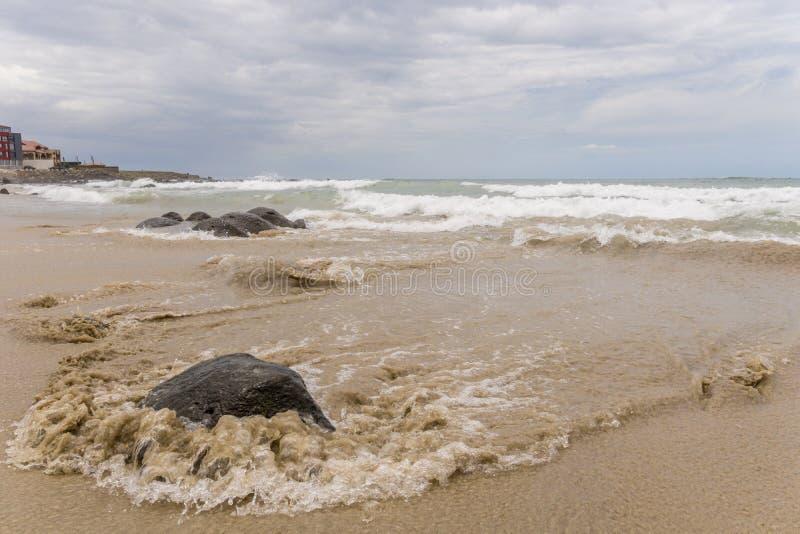 Vagues de l'Océan Atlantique images libres de droits