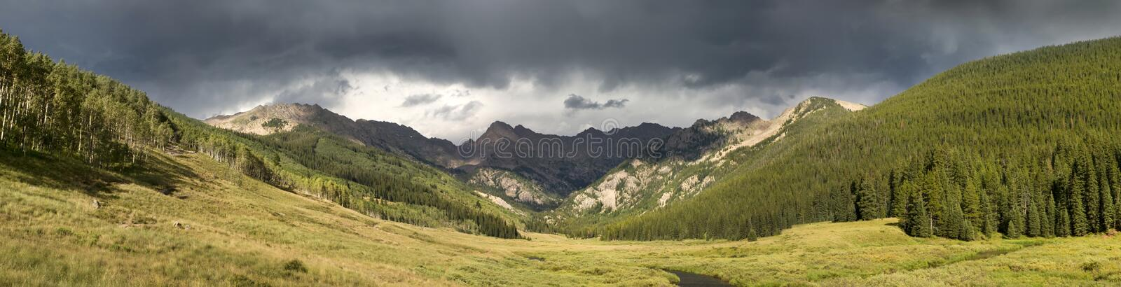 Vail Colorado Rocky Mountain Piney River Panoramic stock afbeelding