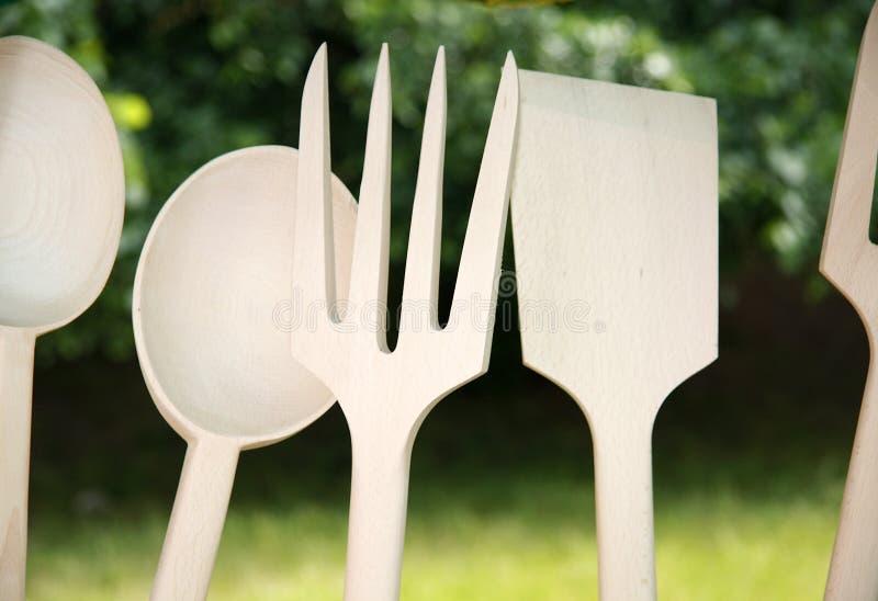 Vaisselle de cuisine en bois image libre de droits