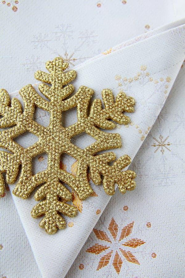 Vaisselle de Noël - serviettes et flocon de neige image libre de droits