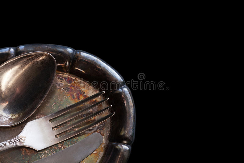 Vajilla fijado en la bandeja de la plata del vintage Cuchara, cuchillo y bifurcación Plantilla del menú del diseño foto de archivo libre de regalías