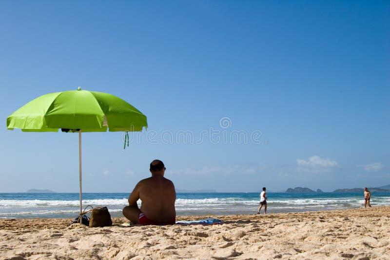 Vakantie bij strand stock afbeelding