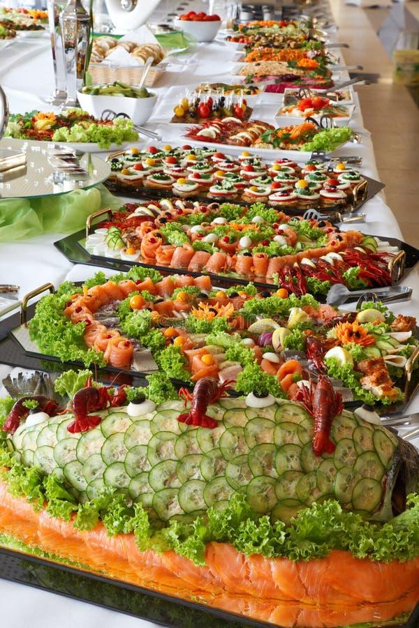 Vakantie koud buffet. stock foto's