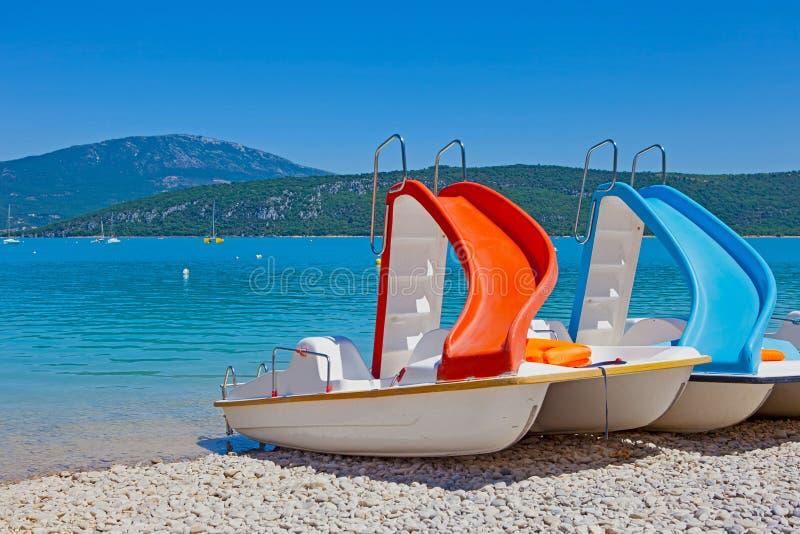 Vakantie in Meer van Sainte-Croix du Verdon stock foto
