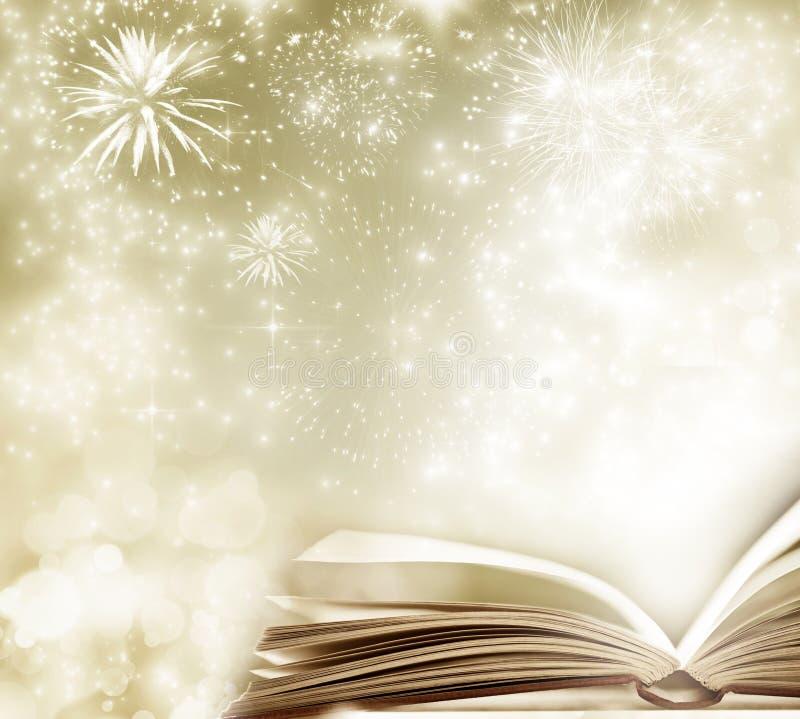Vakantieachtergrond met magisch boek stock fotografie
