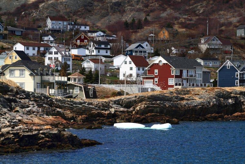 Vakantiehuizen op de kust van Brigus-Inham Newfoundland Canada royalty-vrije stock afbeelding