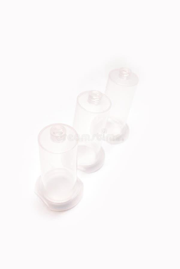 Vakuumblutsammlungsrohrnadel-Halterisolat auf weißem Hintergrund stockfoto