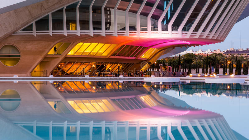 Valência, Espanha - 2 de dezembro de 2016: Teatro da ópera, Palau de les Arte imagem de stock