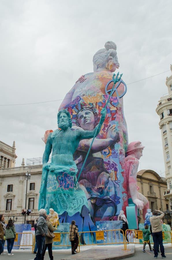 Valência, Espanha, o 18 de março de 2019 Festival de Fallas de Valência As esculturas de Papermache são construídas e queimadas e fotos de stock