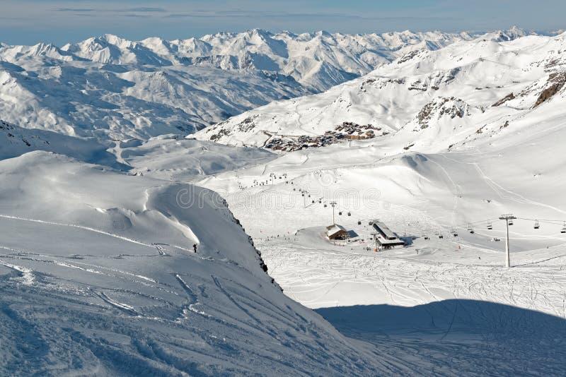 Val的Thorens全景从Thorens冰川 库存图片