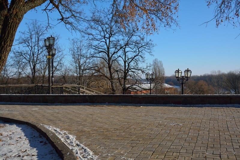 Val in Chernihiv, Ukraine, nahe bei den Kanonen stockfoto