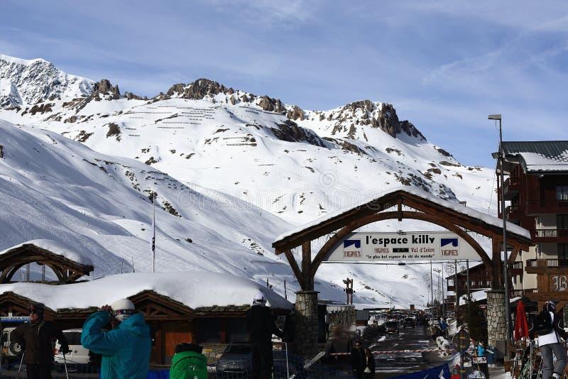 Val Claret vinter skidar semesterorten av Tignes-Val D Isere, Frankrike arkivbild