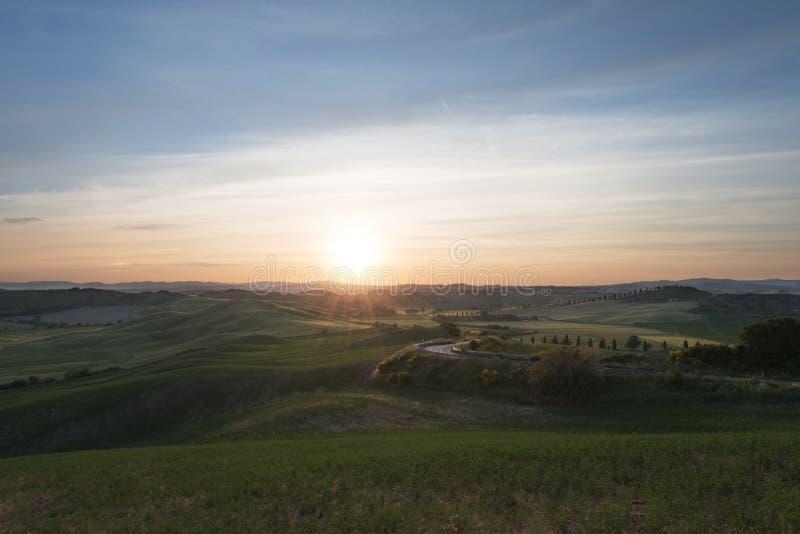Val d «Orcia także dzwonił Valdorcia krajobraz w Tuscany przy zmierzchem, popularny podróży miejsce przeznaczenia w Włochy zdjęcie royalty free