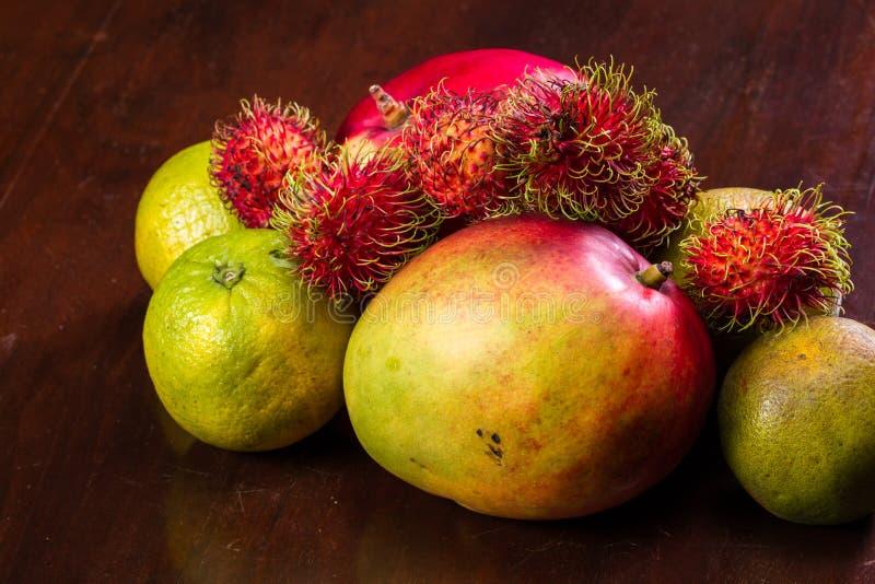 Val för tropisk frukt arkivbilder