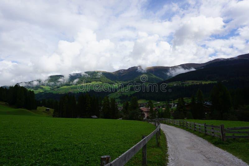 Val-fiscalina Dolomiti lizenzfreie stockfotos