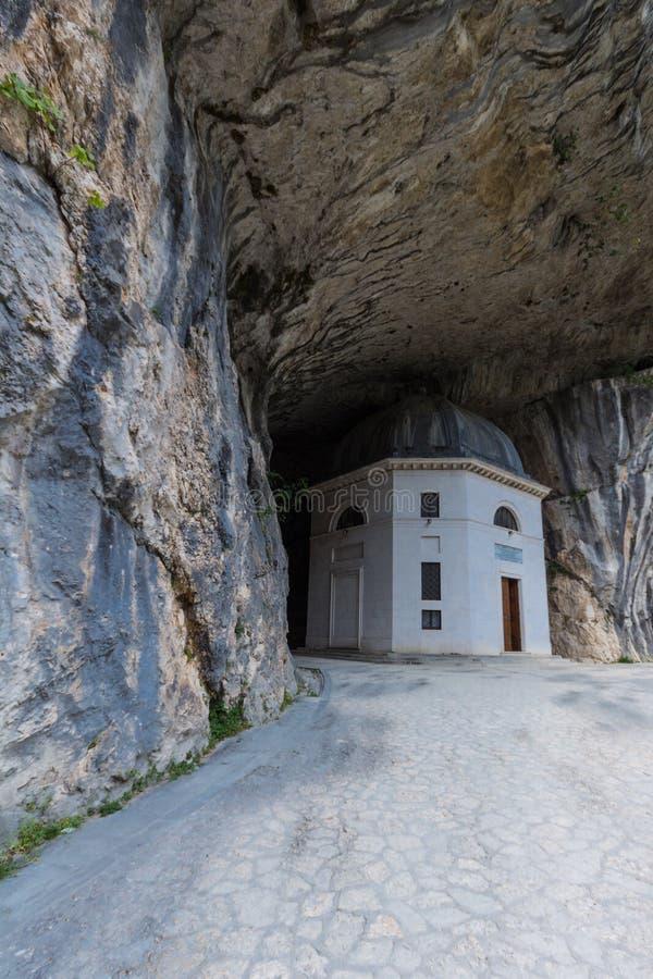 Valadier寺庙在Genga,意大利 免版税库存照片