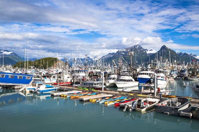 Valdez小船港口 有齿轮的捕鱼船 库存图片