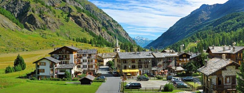 Vale alpino Rhemes Notre Dame, d'Aosta de Valle, Itália fotos de stock