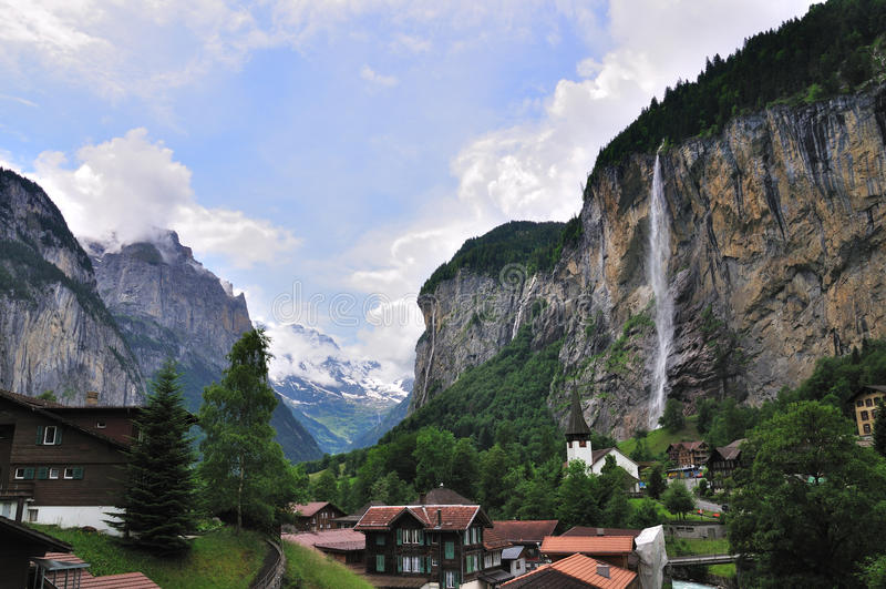 Vale das cachoeiras, Lauterbrunnen, Switzerland imagem de stock royalty free