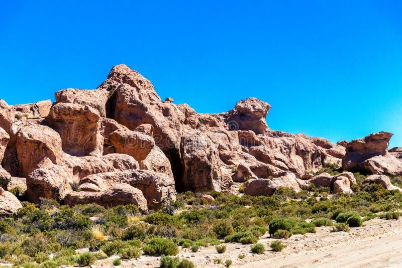 Vale das rochas no Altiplano de Bolívia, Ámérica do Sul foto de stock