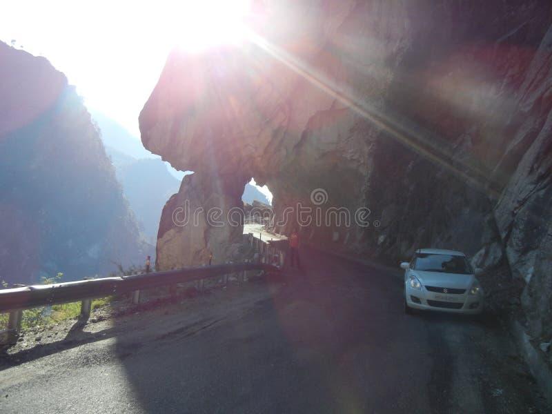 Vale de Sangla - uma viagem por estrada com vista impressionante fotografia de stock royalty free