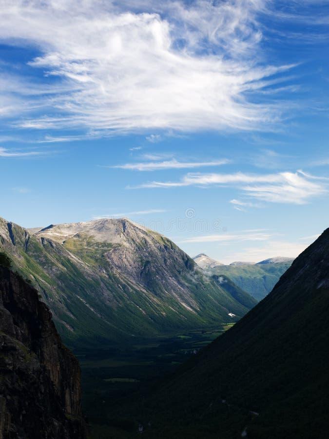 Vale de Trollveggen em Romsdalen imagem de stock