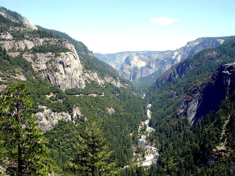 Vale de Yosemite na opinião do túnel imagem de stock royalty free