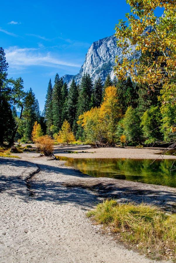 Vale de Yosemite, parque nacional de Yosemite, Calif?rnia EUA fotografia de stock royalty free