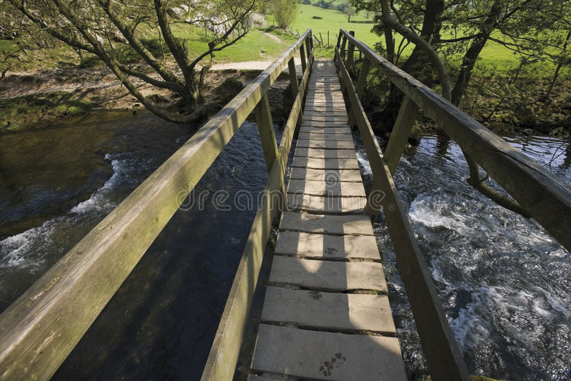 Vale máximo do parque nacional do distrito de Inglaterra derbyshire do riv imagens de stock