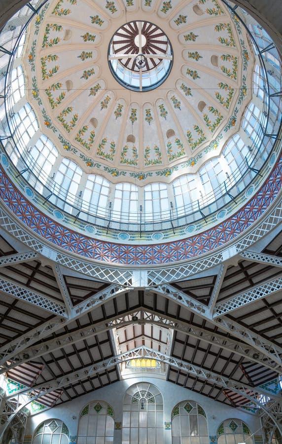 Valence et ses architectures antiques et ultramodernes image libre de droits