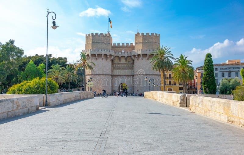 Valence et ses architectures antiques et ultramodernes photos libres de droits
