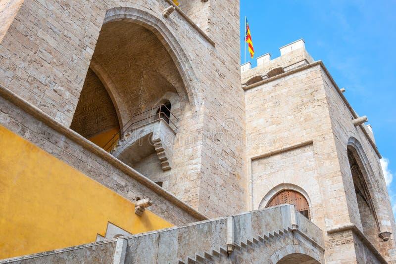 Valence et ses architectures antiques et ultramodernes images stock